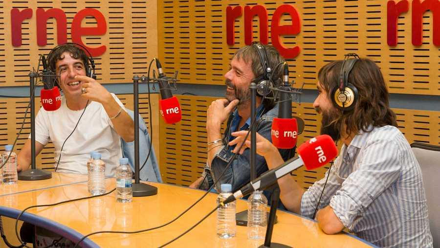El grupo invitado, en los estudios de Rne Madrid