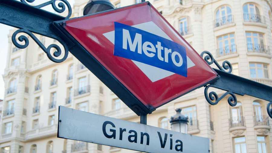 Entrada a la estación de metro de la Gran Vía madrileña