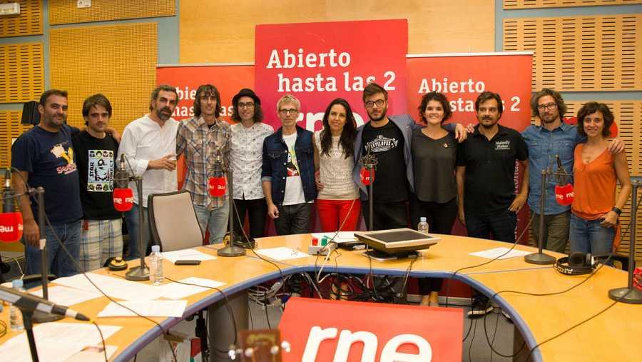 Ariel y Mauro, con todo el equipo del programa