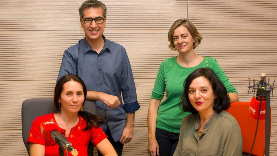 De izquierda a derecha, Rocío López, Arturo Martín, Victoria Serrano y Teresa López