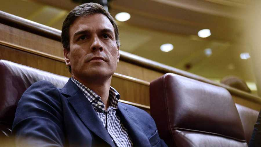 Pedro Sánchez, durante el discurso de investidura de Mariano Rajoy.