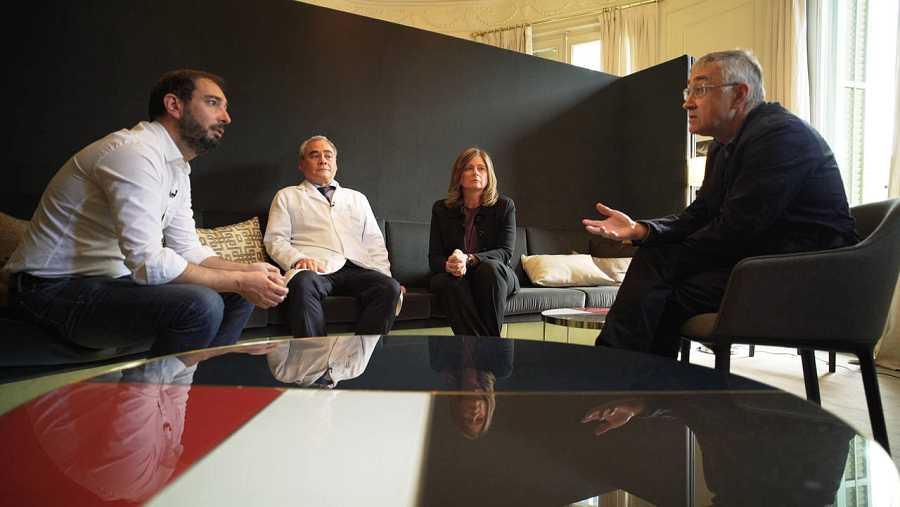 Pere Estupinyà, junto a los doctores Ignacio Lao, Montserrat Boada y Elías Campo