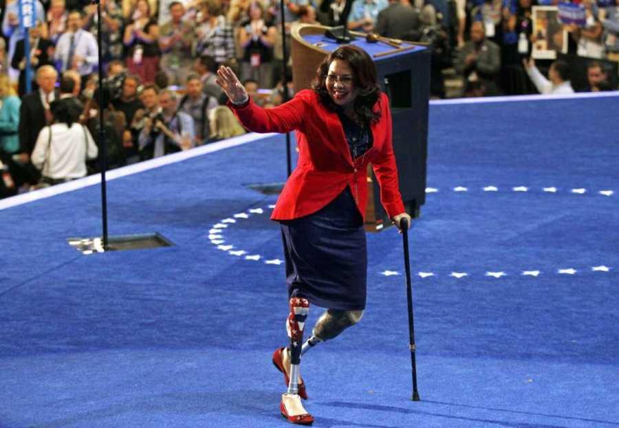Tammy Duckworth se ha convertido en senadora de Illinois con una ventaja de 14 puntos sobre su rival.