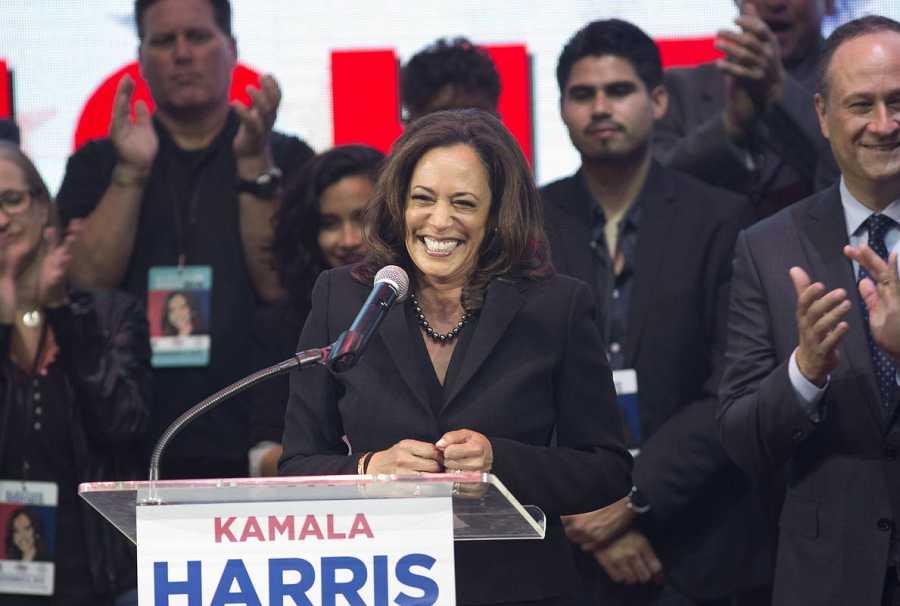 La fiscal de California, Kamala Harris, que contó con el apoyo del Partido Demócrata, es la nueva senadora en representación de California.