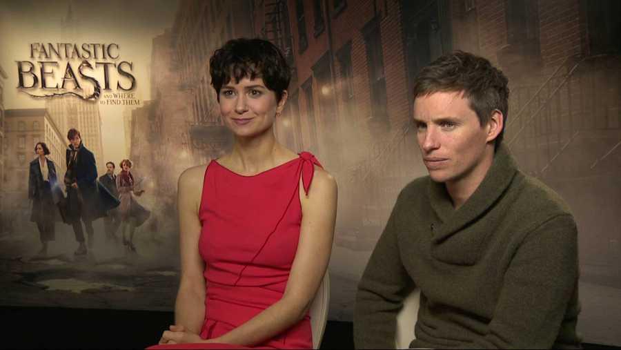 Eddie Redmayne y Katherine Waterson, protagonistas de 'Animales fantásticos y dónde encontrarlos'