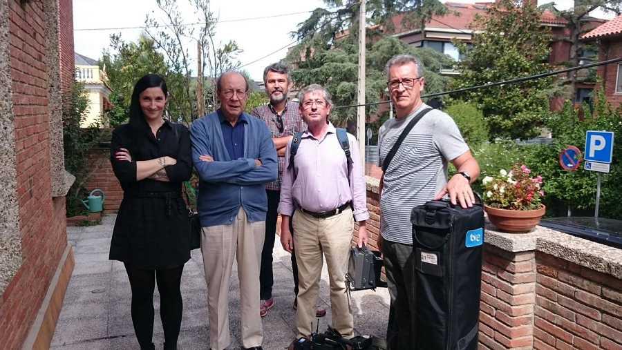 Francisco Rico, experto en literatura y en nuestros clásicos, junto al equipo del programa
