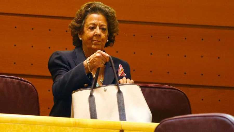 Rita Barberá ocupando su escaño en el Senado por el Grupo Mixto