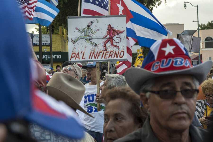 La Pequeña Habana de Miami festeja el fallecimiento de Fidel Castro.