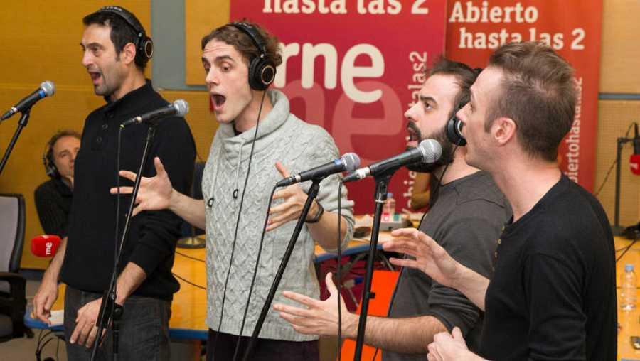 En directo suenan algunas de las interpretaciones musicales de 'The Prímitals'