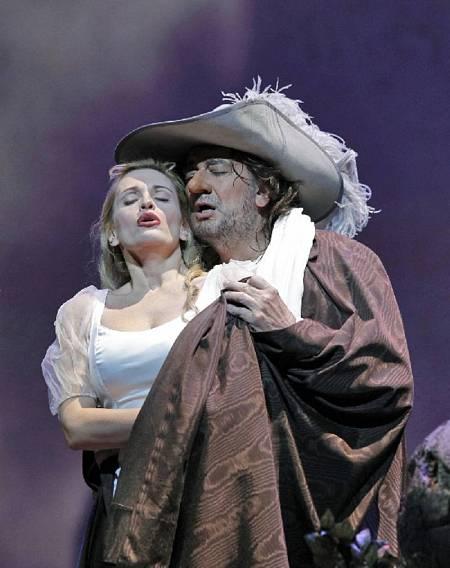 Ainhoa Arteta, junto a Plácido Domingo, en la ópera de San Francisco, en 2010