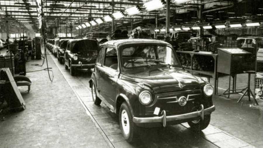 El Seat 600 se presentó oficialmente el 29 de mayo de 1957