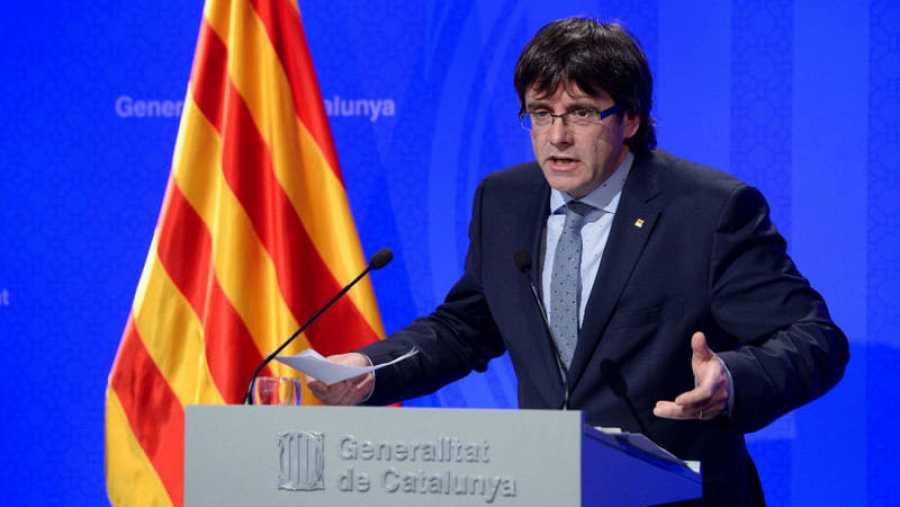 Puigdemont insiste en celebrar un referéndum