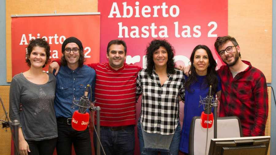 Rosana con Paloma Arranz, Antílopez, Patricia Costa y Manuel Bonilla