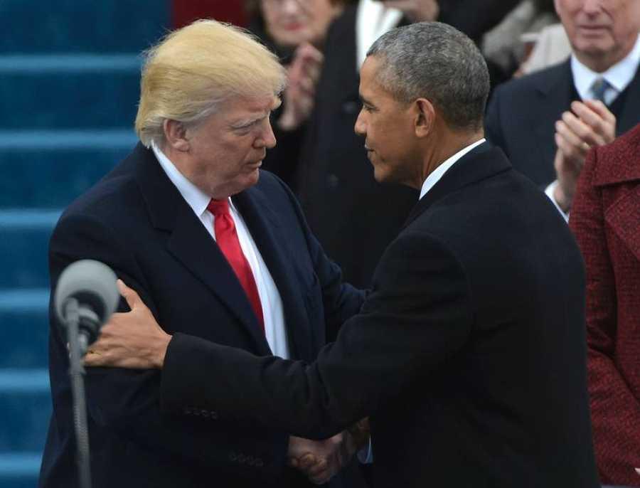 Seco saludo entre Trump y Obama
