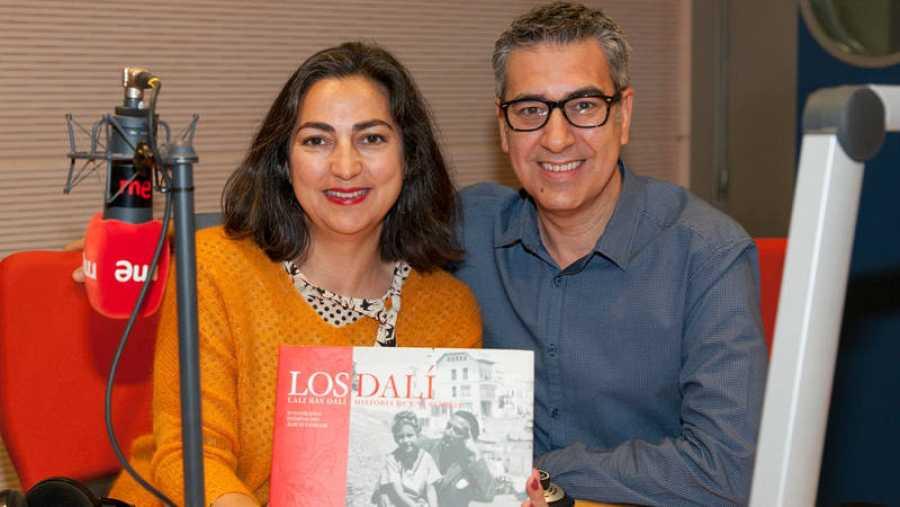 Ana Morente, directora de 'La radio tiene ojos' (Radio 1), acompaña a Arturo Martín en Rne Madrid