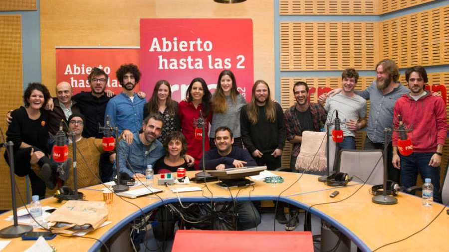 Iseo y Morgan con Paloma Arranz y todo su equipo