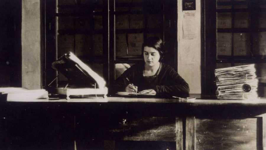 Imagen de la bibliotecaria y lexicógrafa
