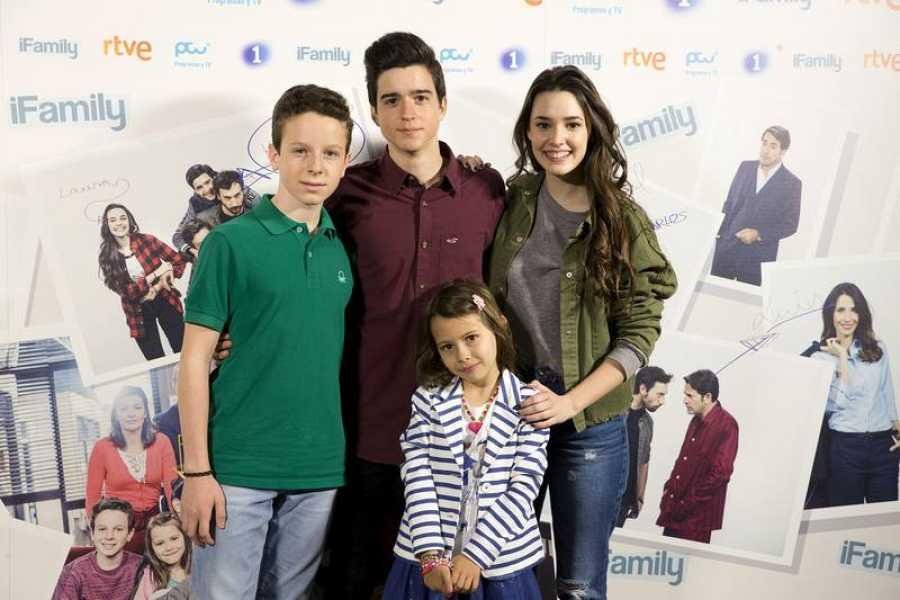 Miguel, Carlos, Laura y Ana son los cuatro hermanos e hijos huérfanos de Luis