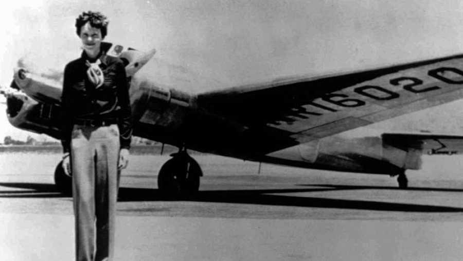 La popular aviadora Amelia Earhart desapareció en 1937