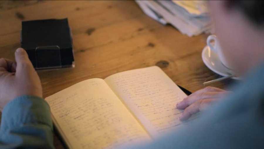 El cuaderno de notas de Luis García Montero, germen de su poesía