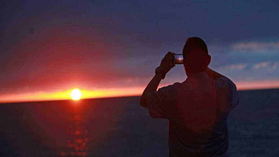 Cada puesta de sol es diferente según donde estés