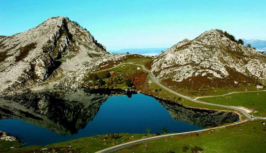 Imagen de los Lagos de Covadonga, en el interior del Parque Nacional de Picos de Europa