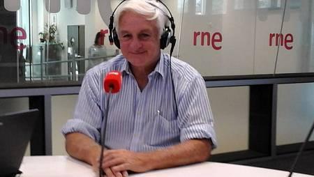 Roberto Canessa, en los estudios de RNE.