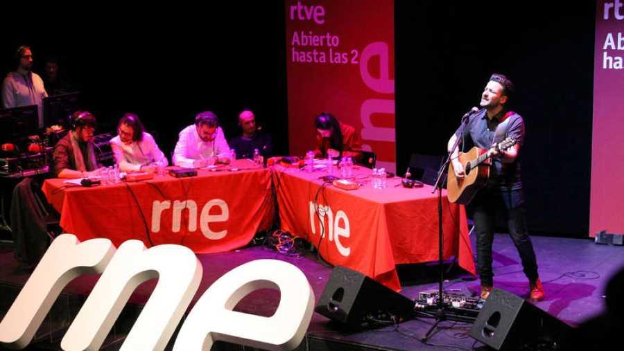 Diego Cantero interpreta los temas de su disco 'Dual'