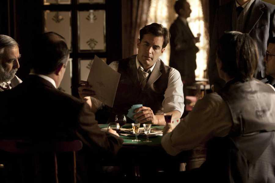 El futuro de las Silva se decide en una partida de cartas en 'Seis hermanas'