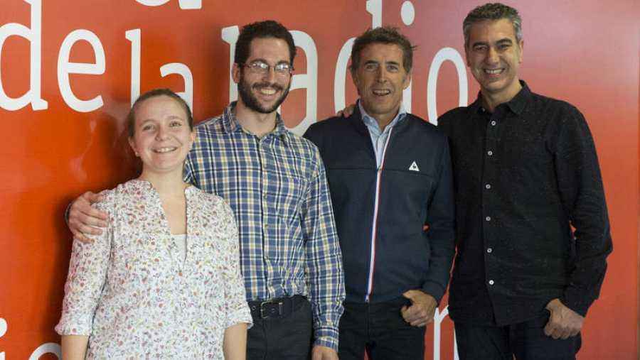 Daniel Escobero, junto a su mujer Ana Espinosa, Pedro Delgado y Arturo Martín