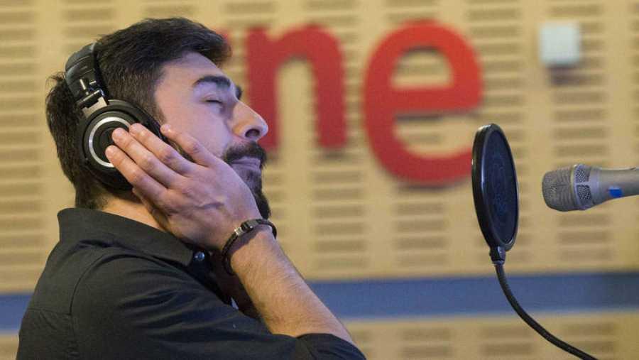 David Martínez (Rayden) interpreta en acústico temas de 'Antónimo'