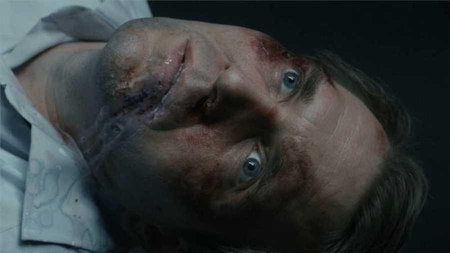 Petrov, miembro de la KGB, es asesinado en la sala de interrogatorios del Ministerio