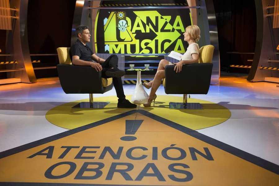 Cayetana Guillén Cuervo entrevista al actor Roberto Enriquez en ¡Atención obras!