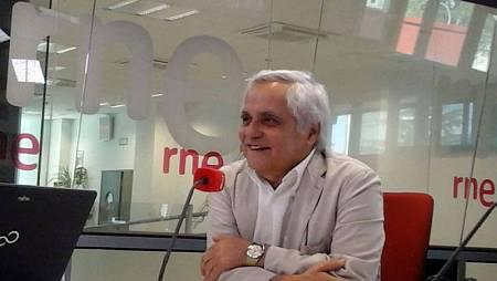 Juan Cruz durante la entrevista en 'Las mañanas de RNE' - Escuchar ahora