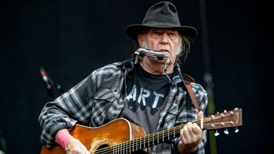 Neil Young en la Caja Mágica
