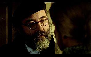 Como actor, Miguel Picazo en la película