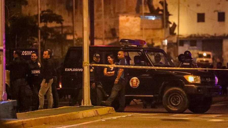 Autoridades vigilan los alrededores de la sede del Tribunal Supremo venezolano