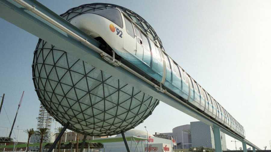 Cruzado del monorraíl que cubría la Expo