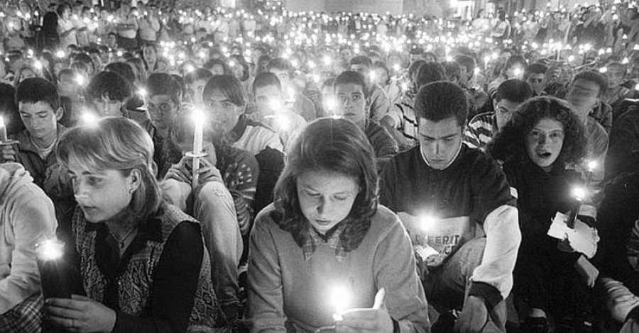 Una vigilia con velas por Miguel Ángel Blanco en la madrugada del sábado 12 de julio