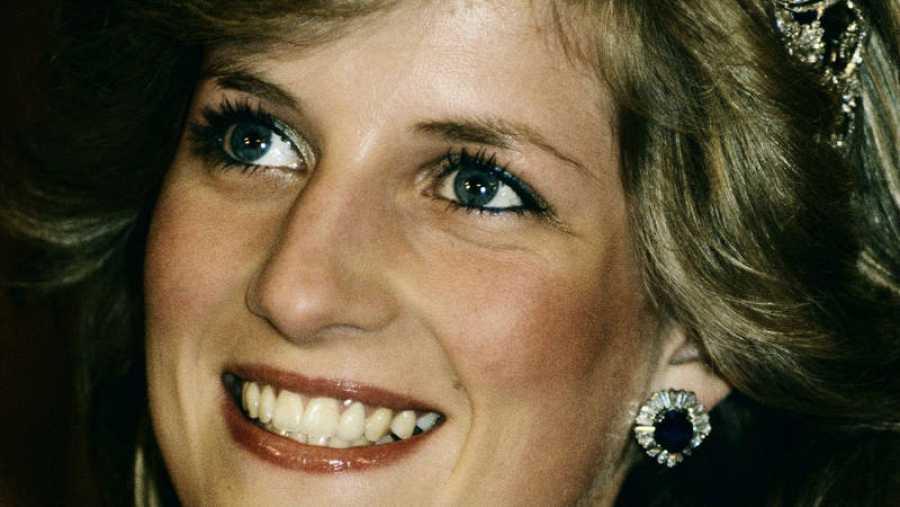 Lady Di contrajo matrimonio con el príncipe Carlos de Gales en 1981