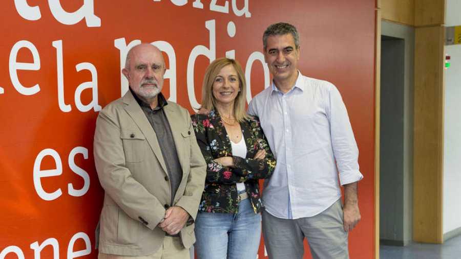 Alejandro Martínez y Concha Calleja visitan a Arturo Martín