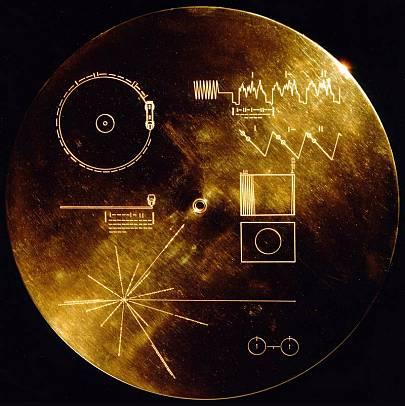 Uno de los 'Discos de oro' de las Voyager, que contiene mensajes representativos de la Tierra y de la especie humana.