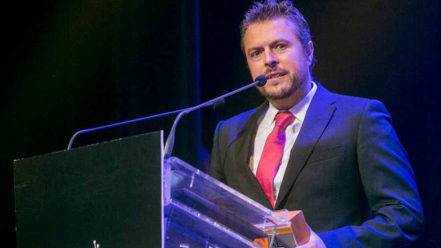 Luis Calero, creador de 'Servir y Proteger', recogió el premio ALMA en el FesTVal