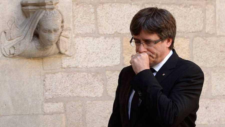 El presidente de Cataluña, Carles Puigdemont, en la Generalitat.