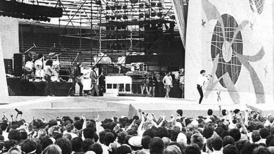 En 1976, en Barcelona, tuvo lugar el primer concierto del grupo en España