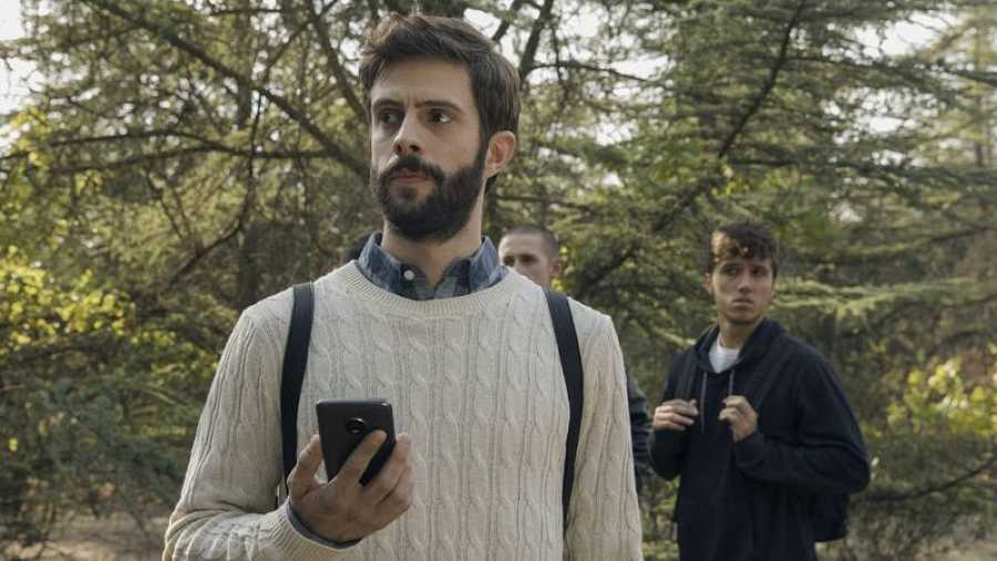 Blasco, preocupado ante la desaparición momentánea de Alba en la excursión del colegio