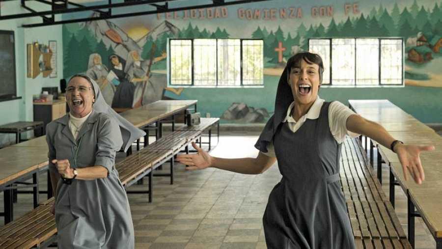 Gracia Olayo y Belén Cuesta en una secuencia de la película musical
