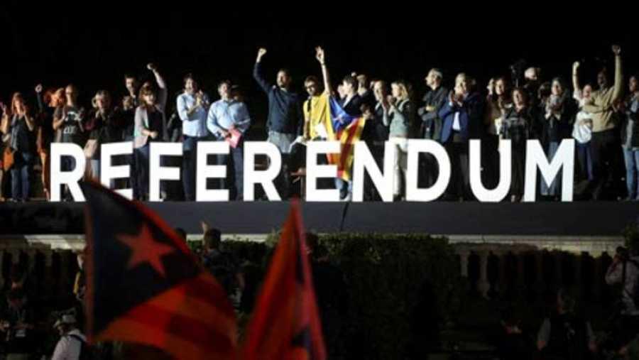 Último acto de campaña de Junts pel Sí por el 1-O (REUTERS).