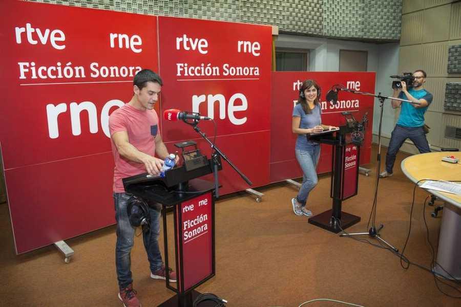 Alejo y Carolina durante la grabación de 'Bienvenido a la pasarela'