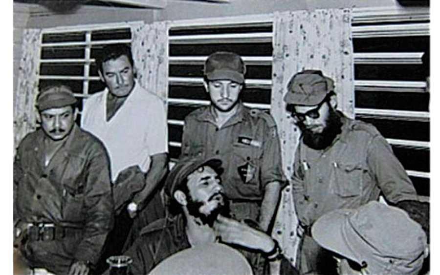 Foto del encuentro de Errol Flynn y Fidel Castro